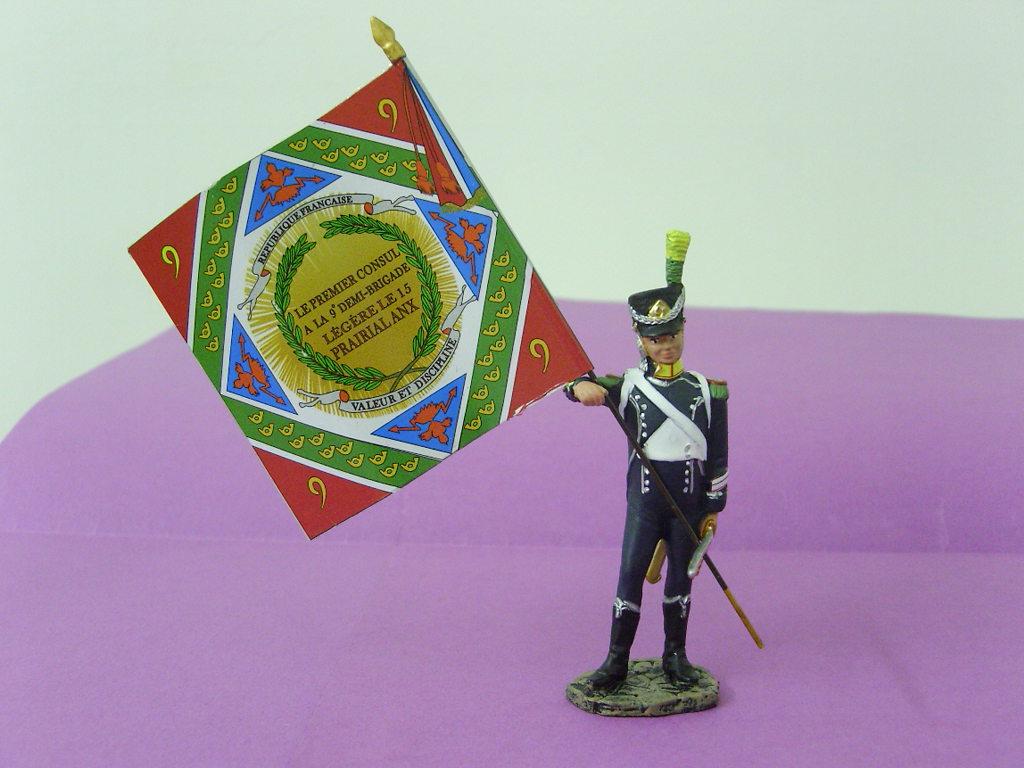 L 39 estafette porte drapeau des for La 9eme porte